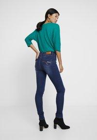 Desigual - BASIC SKIN - Slim fit jeans - denim medium wash - 2