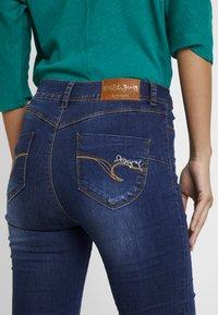 Desigual - BASIC SKIN - Slim fit jeans - denim medium wash - 5