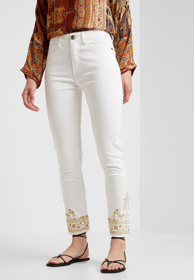 Desigual - PANT BELLAY - Jeans slim fit - denim nature