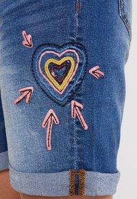 Desigual - LOVE HABANA - Shorts di jeans - denim medium wash - 3