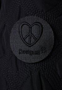 Desigual - PADDED LEICESTER - Zimní kabát - black - 8