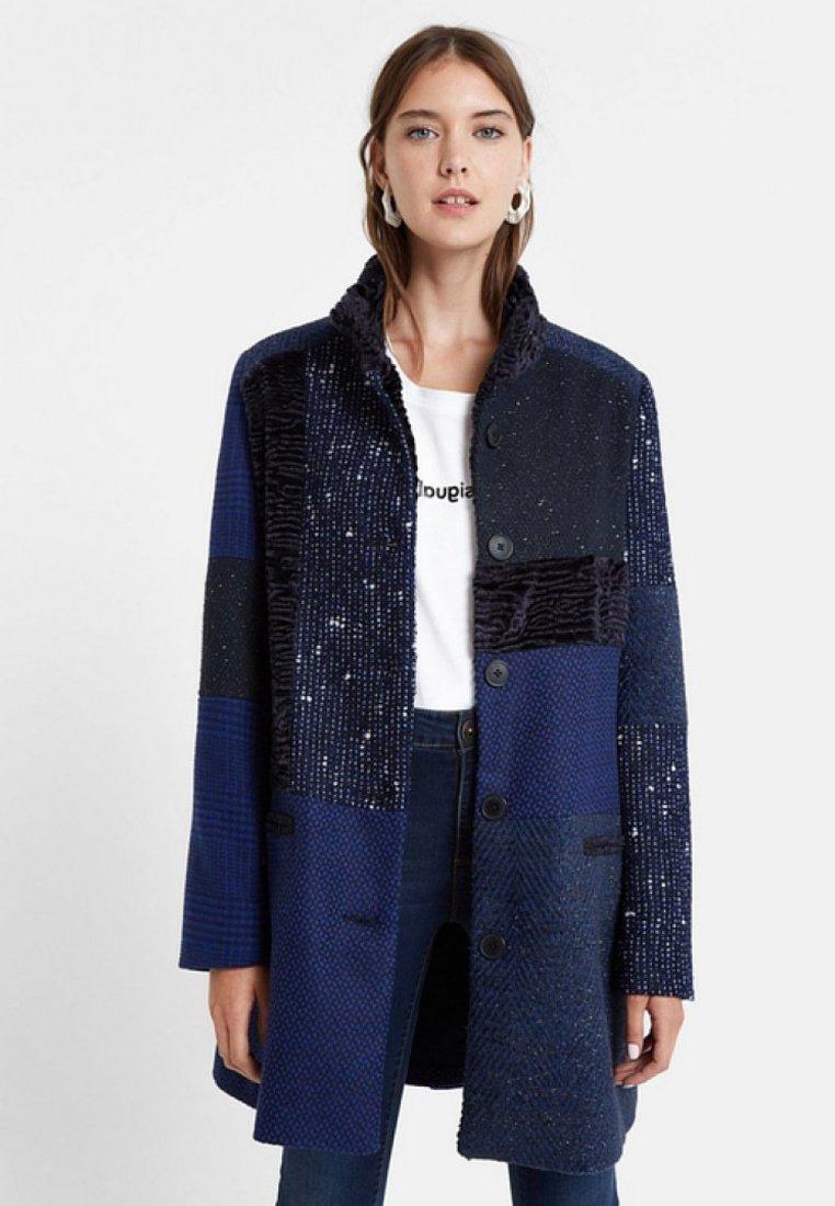 Desigual - ABRIG CARTTER - Classic coat - blue