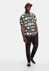 Desigual - CAM_GABRIEL - Camisa - black - 1