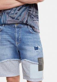 Desigual - AXEL - Szorty jeansowe - blue - 3