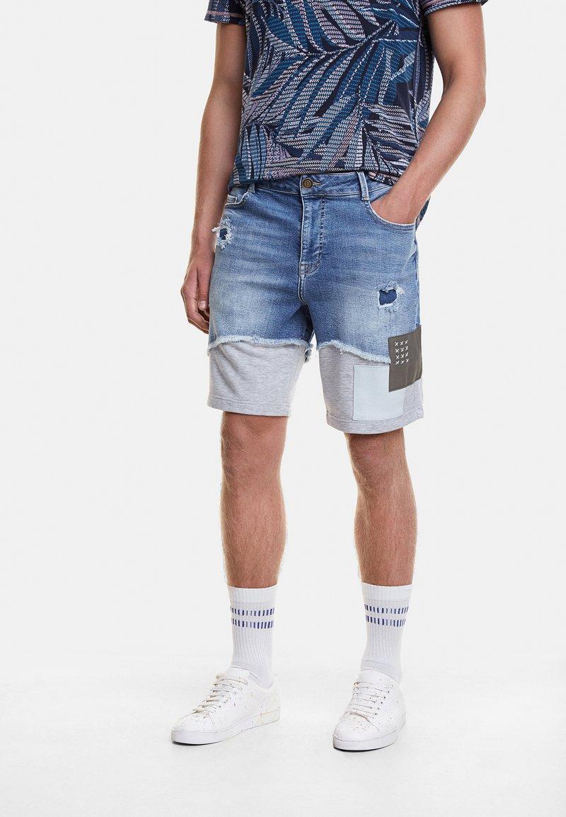 Desigual - AXEL - Szorty jeansowe - blue
