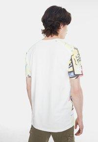 Desigual - Camiseta estampada - white - 2