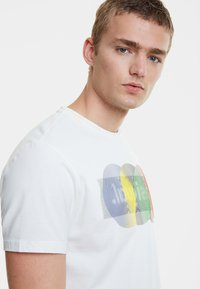 Desigual - TS_KARAMAT - Camiseta estampada - white - 3