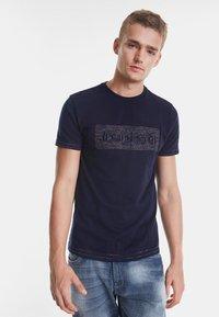 Desigual - TS_KEANE - Camiseta estampada - blue - 0