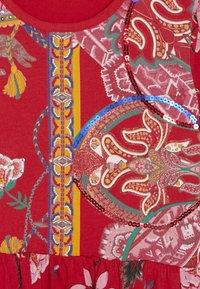 Desigual - IXTAPALUCA - Žerzejové šaty - rojo - 3