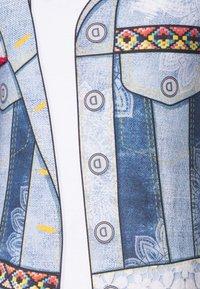 Desigual - CUAUTITLÁ - Vestido ligero - blanco - 2
