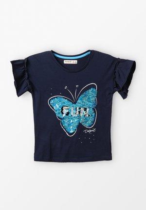 BUTTERFLY - Camiseta estampada - blue
