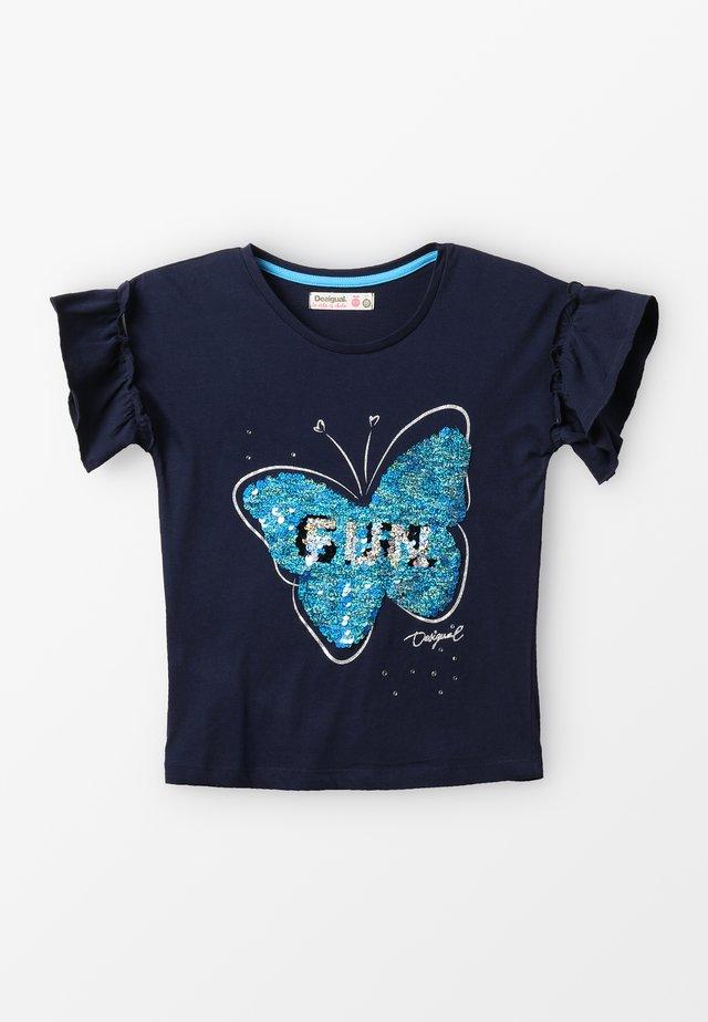 BUTTERFLY - T-shirt z nadrukiem - blue