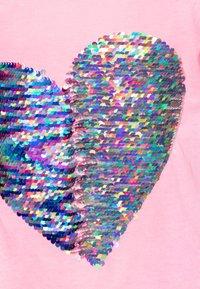 Desigual - IPSWICH - T-shirt con stampa - rosa fluor - 2