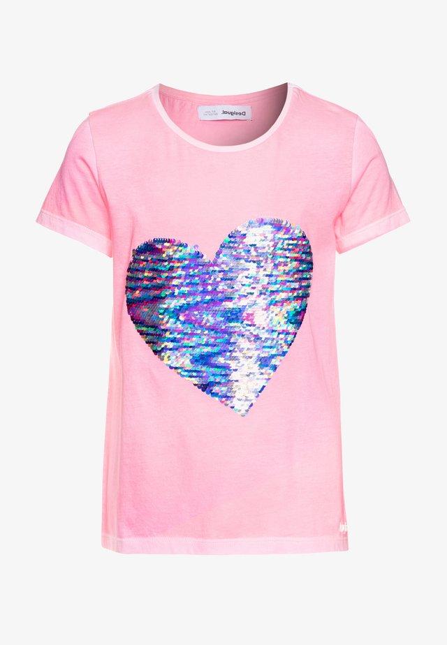 IPSWICH - T-shirt con stampa - rosa fluor