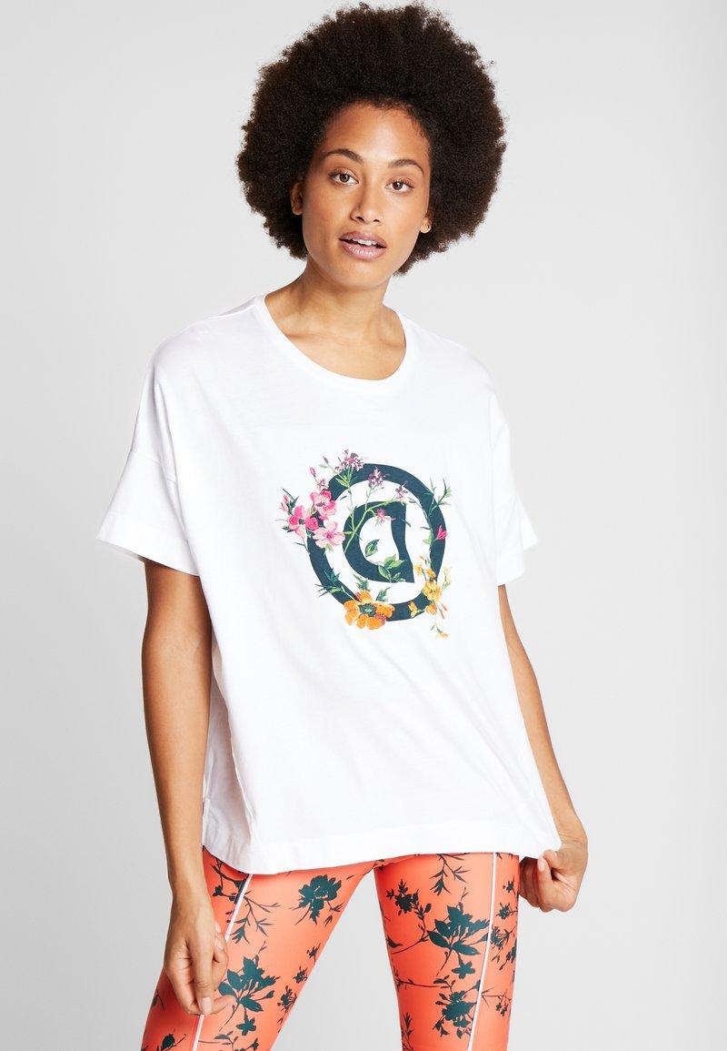 Desigual - OVERSIZE GARDENS LOGO - T-shirts med print - blanco