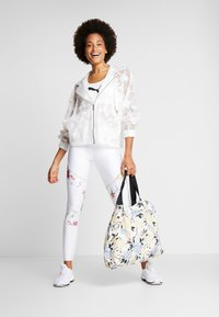 Desigual - BLOCKING LEGGING GARDENS - Trikoot - blanco - 1