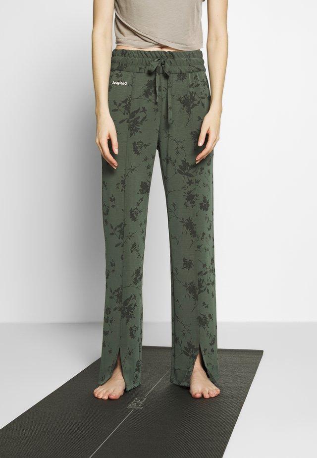 PANT PINTUCK GARDENS - Teplákové kalhoty - caqui
