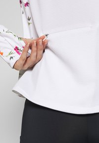 Desigual - RUNNING GARDENS - Training jacket - blanco - 4
