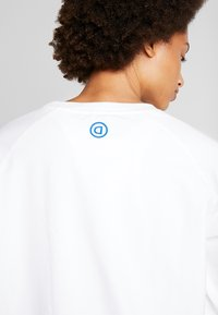 Desigual - CREWNECK LOGO OLYMPIA - Sweatshirt - blanco - 5