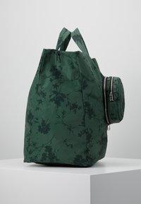 Desigual - SHOPPING BAG GARDENS - Sports bag - caqui - 3