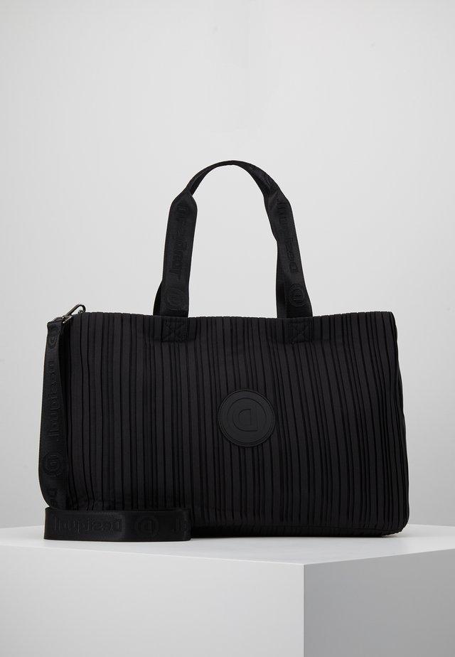 DUFFLE BAG PLEATS SET - Sportovní taška - black