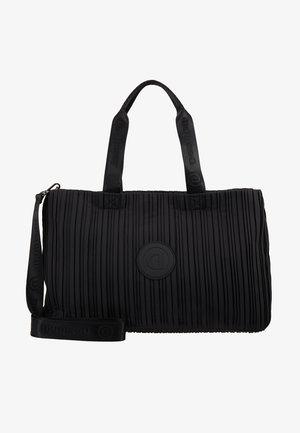 DUFFLE BAG PLEATS BLACK SET - Sportovní taška - black