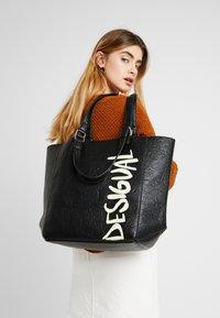 Desigual - BOLS ARTY MESSAGE COLORADO - Shopping bags - black - 1