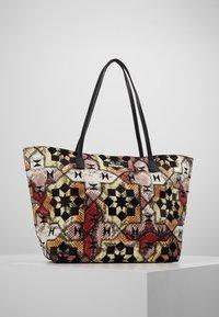 Desigual - BOLS OCTAVIA SICILIA - Shoppingveske - marron oscuro - 0