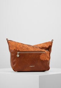 Desigual - BOLS MELODY HARRY MINI - Schoudertas - camel oscuro