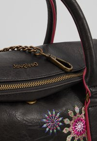 Desigual - BOLSADA LOVERTY - Håndveske - marron oscuro - 6