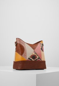 Desigual - AYAX GALATI - Across body bag - camel - 3