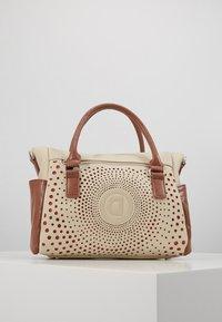 Desigual - LEGACY LOVERTY - Handbag - blanco - 3