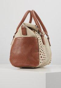 Desigual - LEGACY LOVERTY - Handbag - blanco - 4