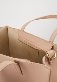 Desigual - BOLS RHAPSODY MERLO - Handbag - crudo v - 5