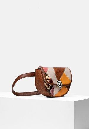 RIÑO_AYAX NYON - Marsupio - brown