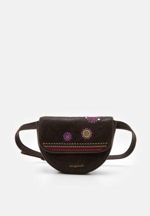 RIÑO ASTORIA NYON - Bum bag - brown