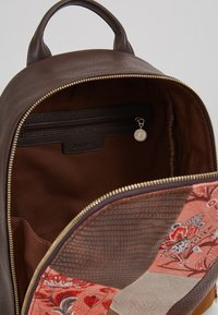 Desigual - BACK JAPAN PATCH NAZCA MINI - Rucksack - marron - 4
