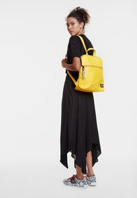 Desigual - BACK_NEW COLORAMA NANAIMO - Rucksack - yellow - 1