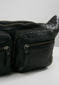 DEPECHE - BUMBAG - Bum bag - black - 6