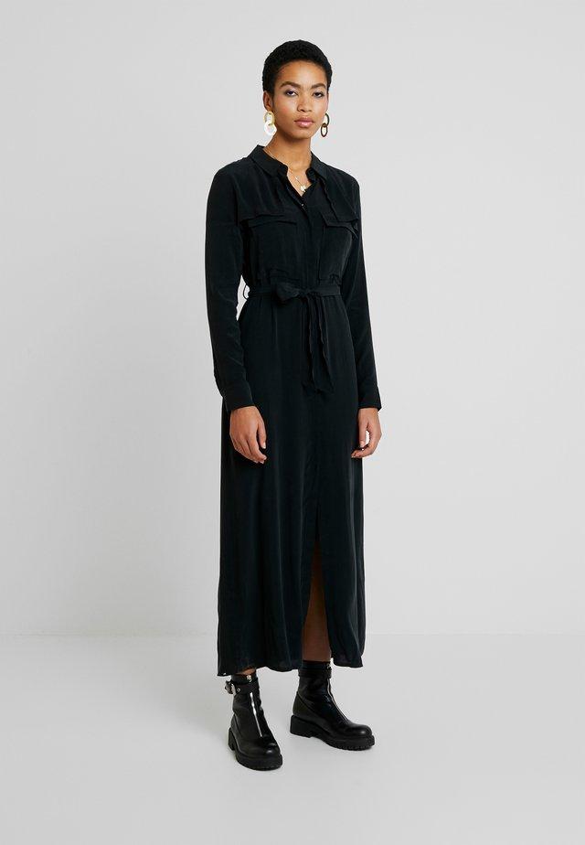 HYOKO DRESS - Paitamekko - true black