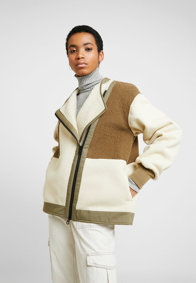 AZUMA JACKET - Krótki płaszcz - ecru