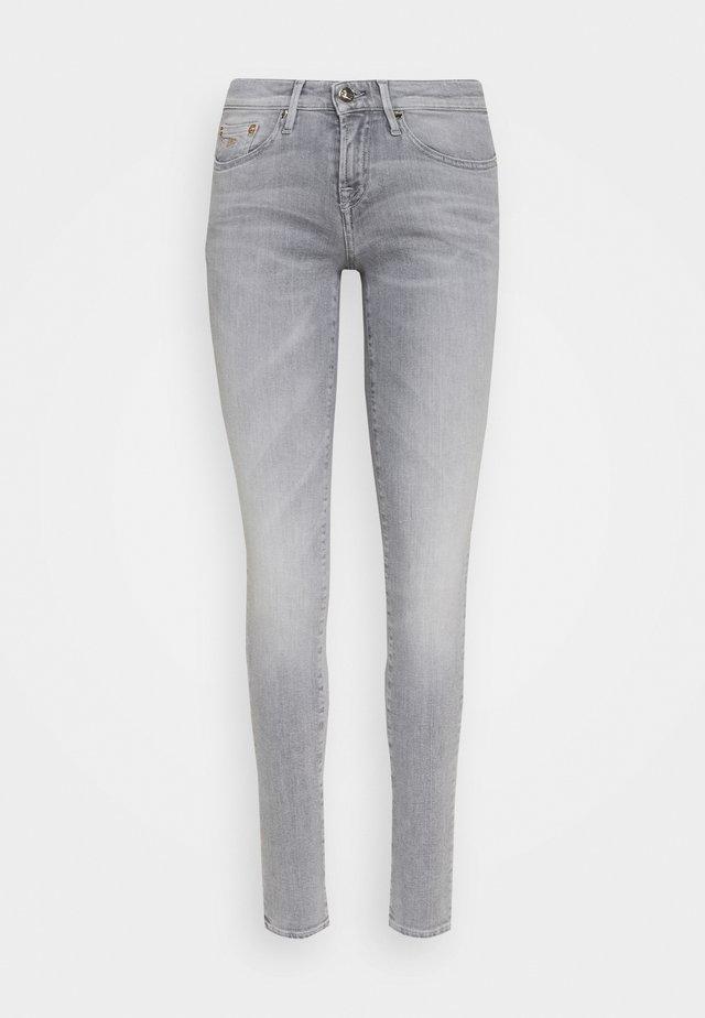 SHARP FREEMOVE - Jeans Skinny Fit - grey