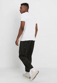 Denham - CARLTON - Trousers - green - 2