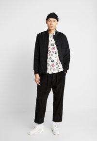 Denham - HARRY  - Spodnie materiałowe - black - 1