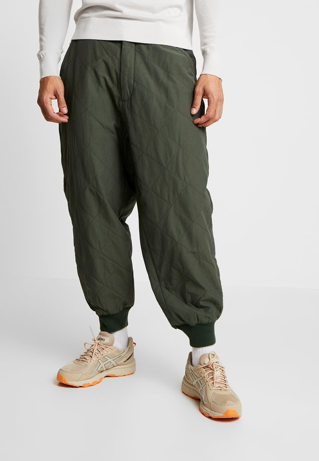 PAD PANT - Pantaloni - army green