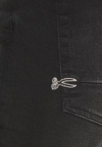 Denham - RAZOR  - Short en jean - black - 2