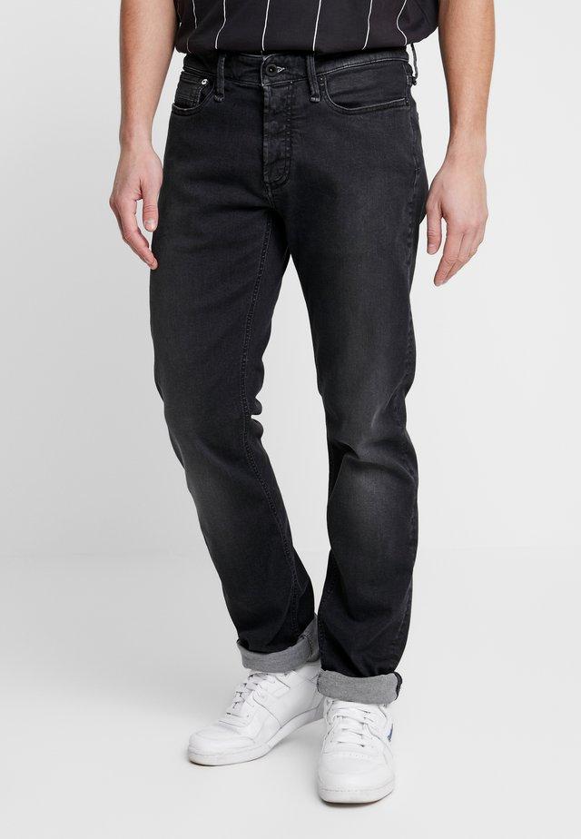 RAZOR FREE MOVE - Slim fit -farkut - black