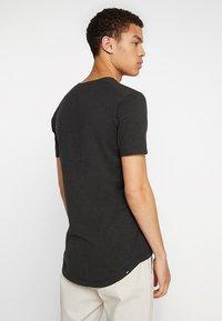Denham - INGO TEE - Basic T-shirt - licorice black - 2