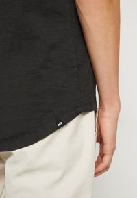 Denham - INGO TEE - Basic T-shirt - licorice black - 5