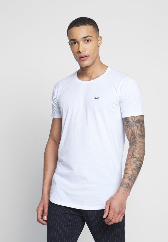 LUIS LONGLINE TEE - T-shirts - white